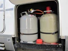 Volle gastanks zur Campinggasprüfung